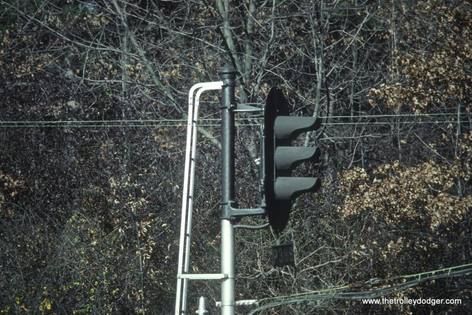 EL Signal P389 on Gladstone Branch. P is for Passaic & Delaware, former name of Gladstone Branch. Signal is west of Far Hills, NJ in November 1978