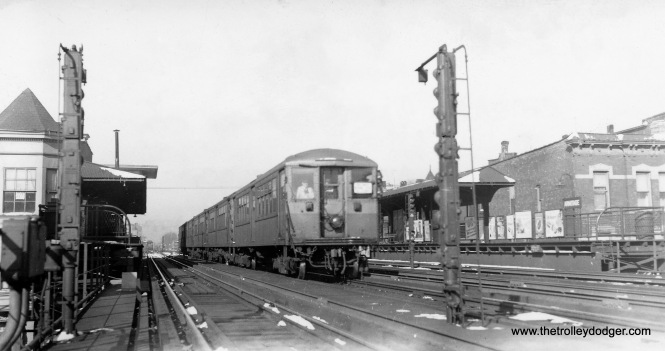 "Chicago Rapid Transit ""Baldy"" 4000's SB at Armitage about to plunge into the subway. No date, but guessing mid-1940's based on the presence of the tower that was built here when the subway opened (you can see the tower roof at left above the platform canopy). (John Smatlak Collection)"
